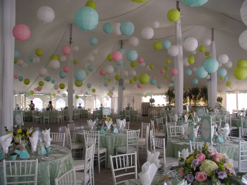 Ideas for paper lanterns for weddings business - Deco de bapteme garcon ...